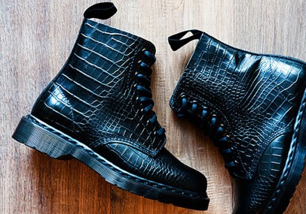 Dr-Martens-Pascal-Boot-Croc-Embossed-000