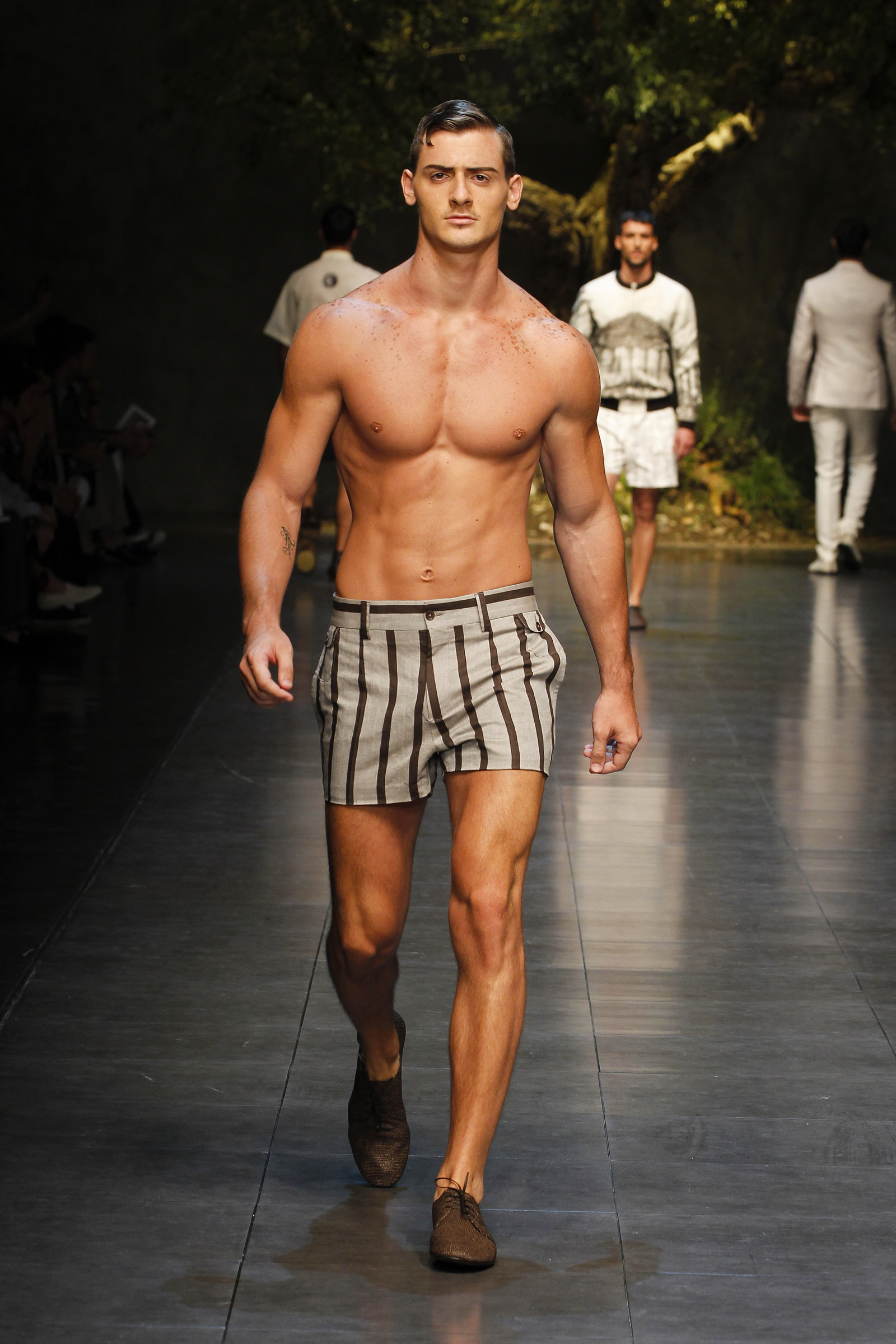 dolce amp gabbana summer 2014 men�s fashion show media
