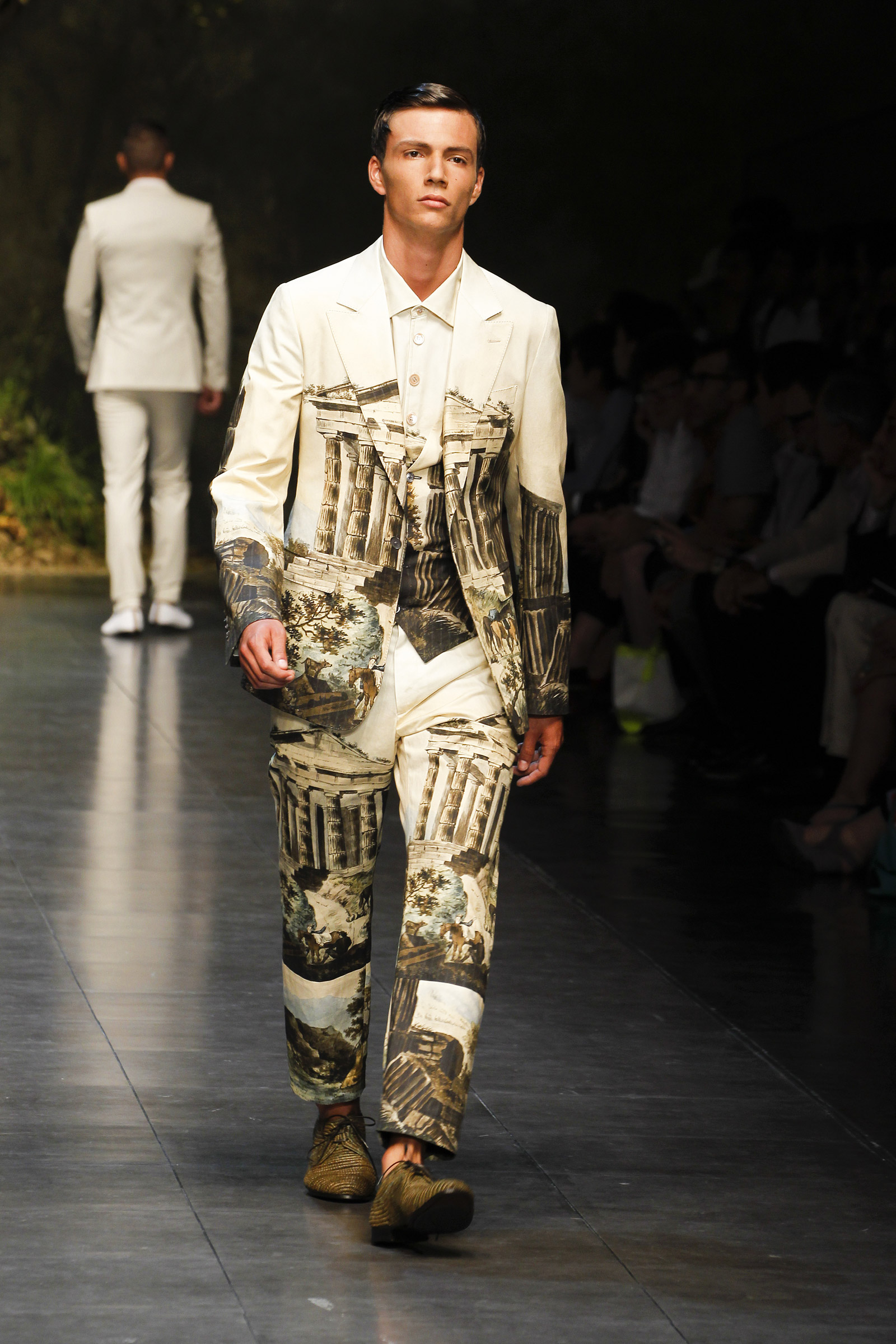 Dolce & Gabbana Summer 2014 Men's Fashion Show