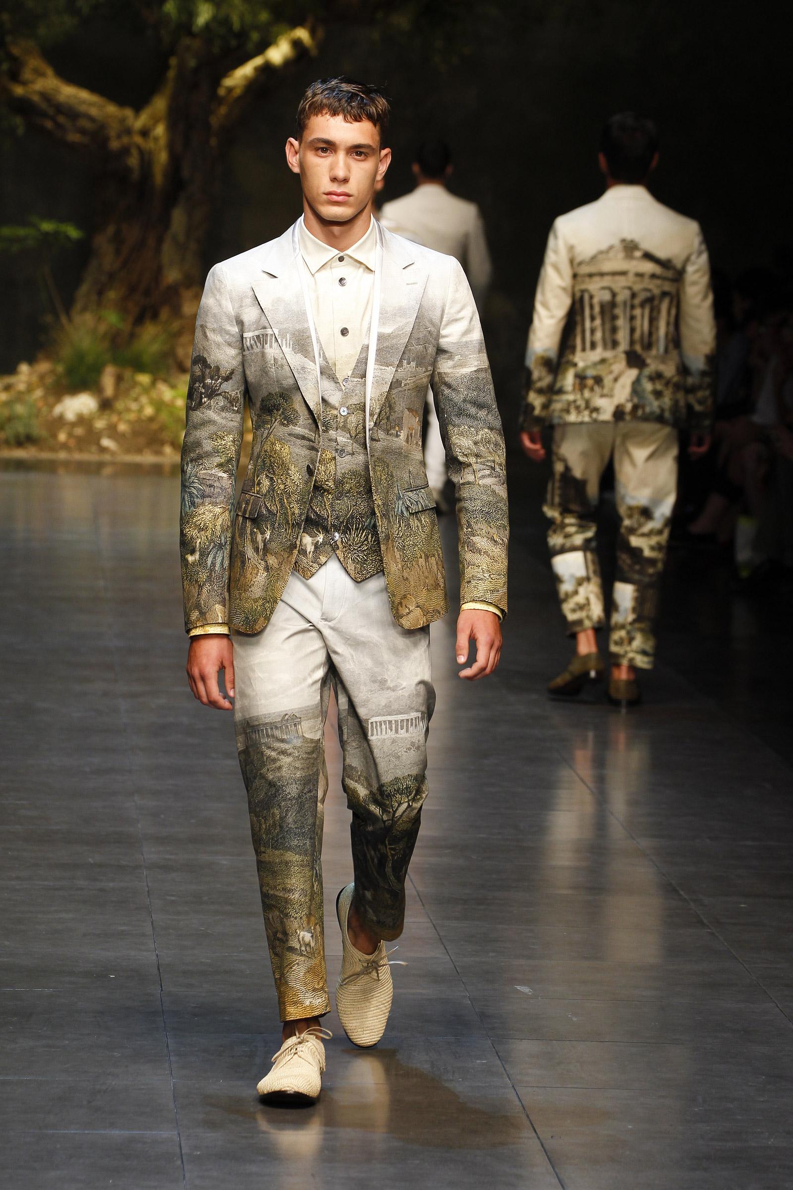 Dolce & Gabbana Summer 2014 Men's Fashion Show