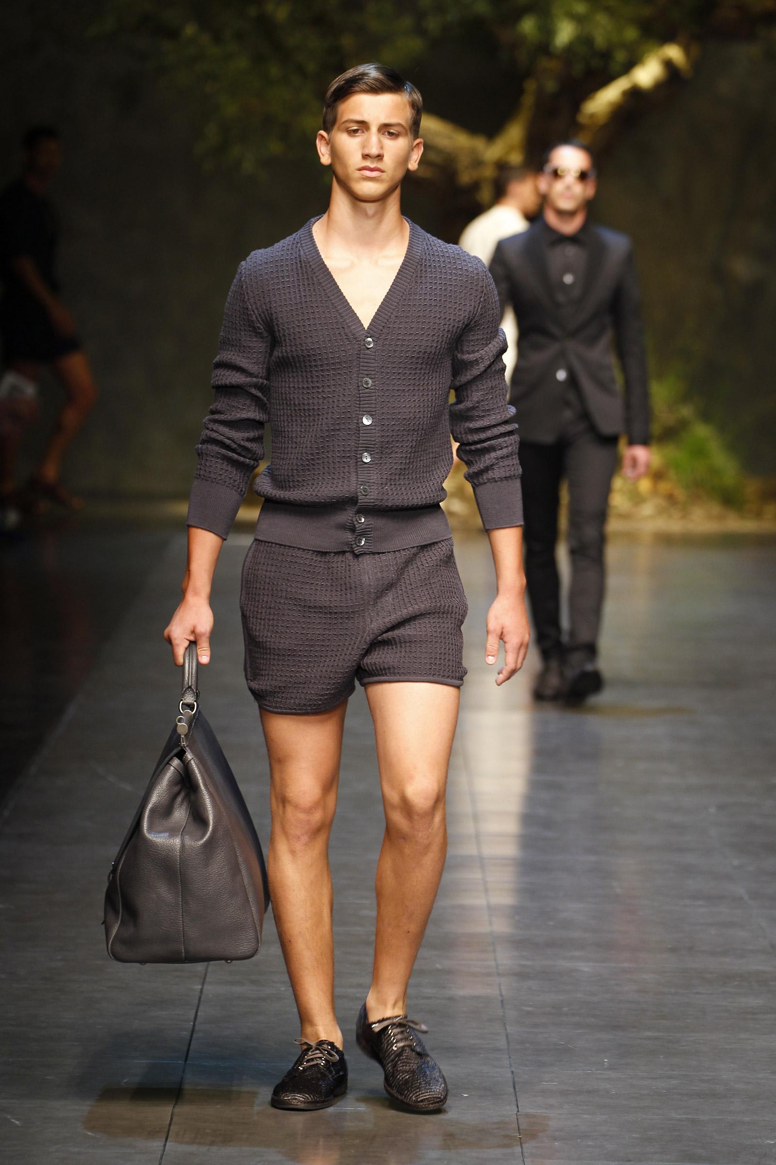 Fashsion: Dolce & Gabbana Summer 2014 Men's Fashion Show