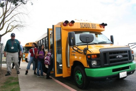 School-Bus-Kids-2-638x425