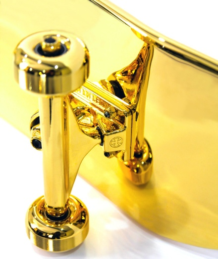 shut-15000-usd-gold-plated-skateboard-05