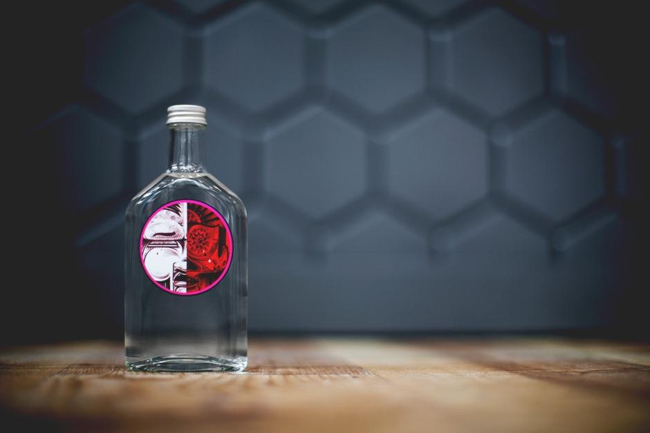0512014-yardbird-sake-art-basel-bottle-01
