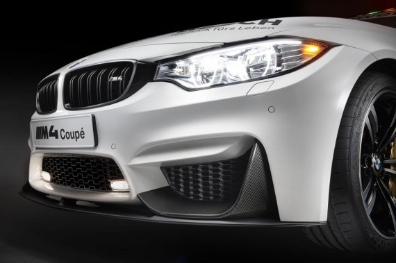 2014-bmw-m4-coupe-dtm-safety-car-6-570x379