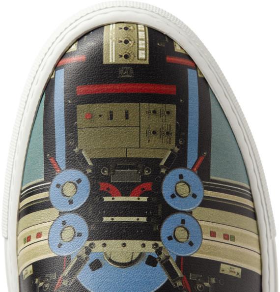 givenchy-robot-print-sneaker-4-570x594