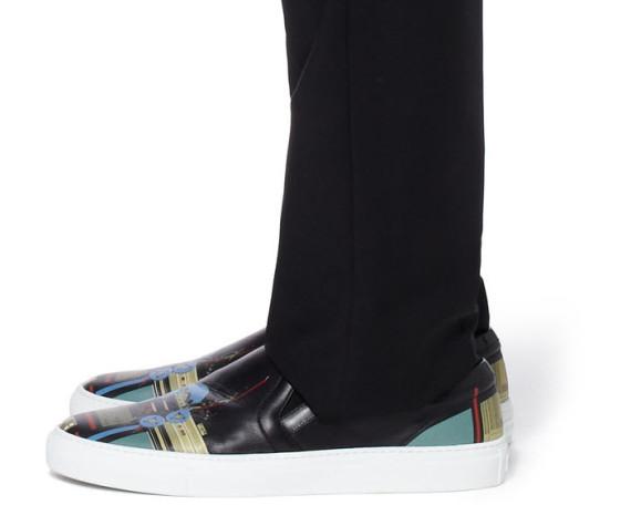 givenchy-robot-print-sneaker-5-570x456