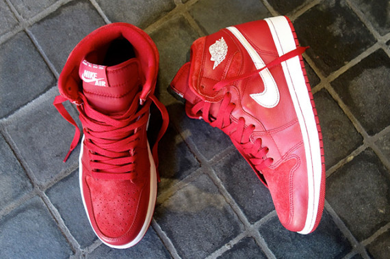 air-jordan-1-retro-high-og-gym-red-555088-601-08-570x379