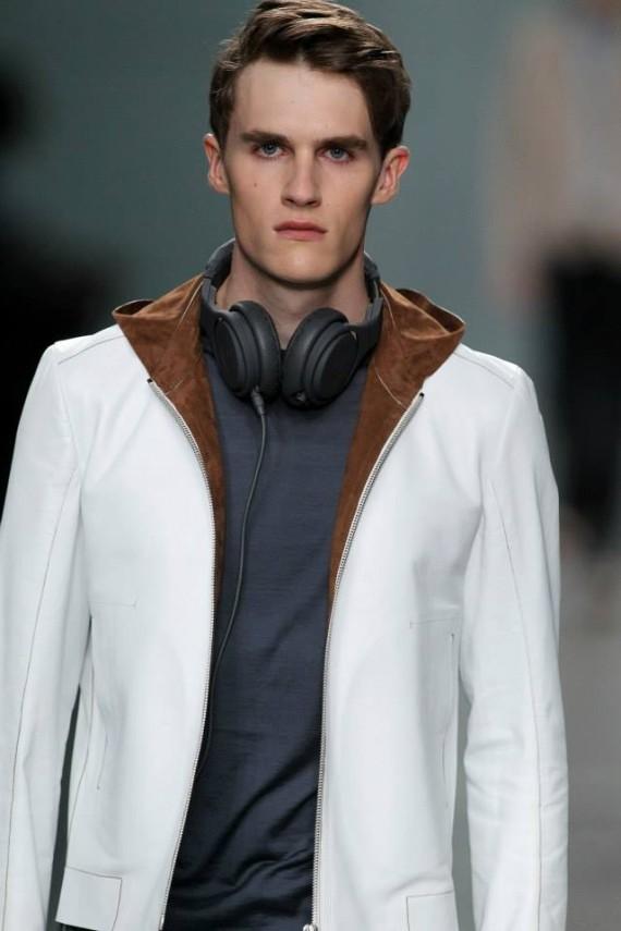 fendi-beats-by-dr-dre-headphones-selleria-leather-headphones-07-570x855