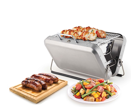 Kikkerland-Design-Portable-BBQ-Suitcase-01