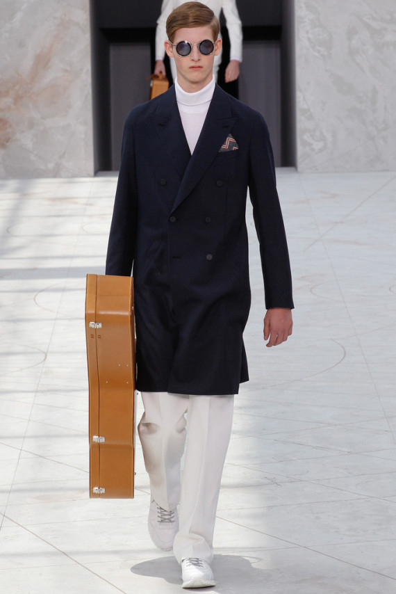 louis-vuitton-spring-2015-menswear-collection-020-570x854