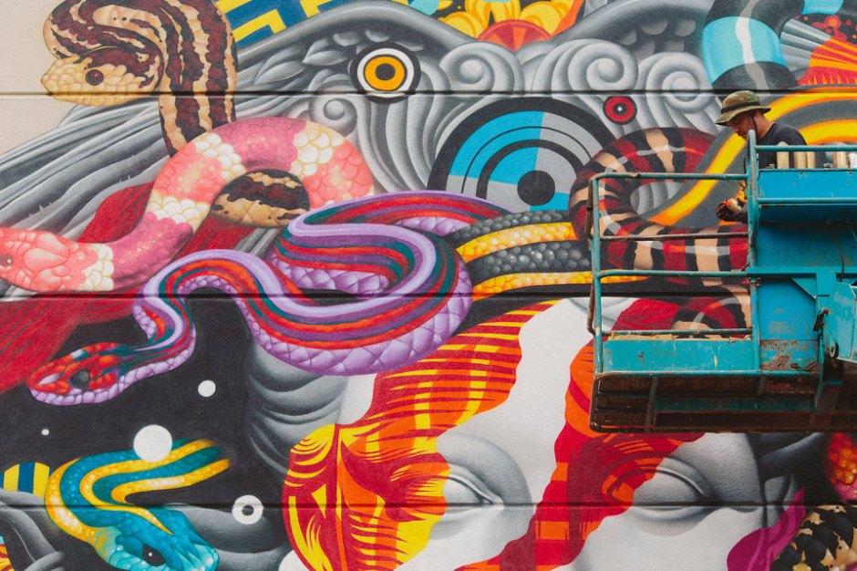 pow-wow-tristan-eaton-versace-medusa-mural-9-960x640