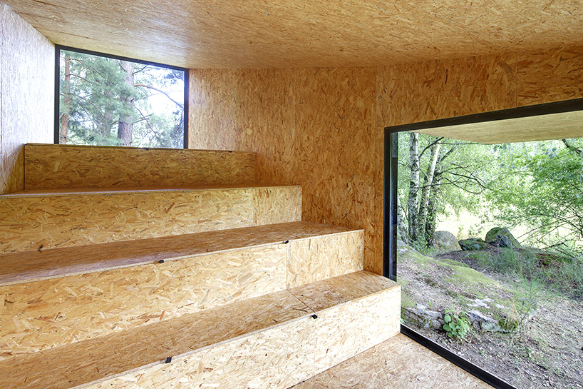uhlik-architekti-forest-retreat-boulder-designboom-09
