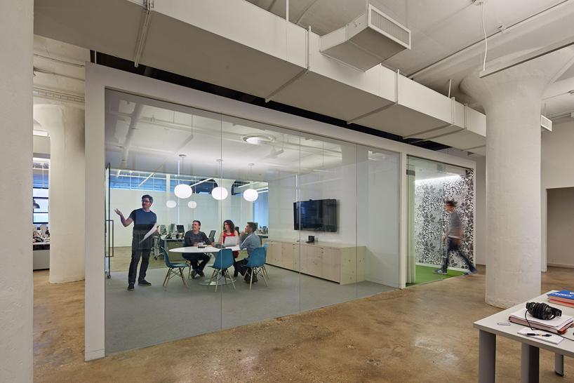 wieden-kennedy-office-nyc-designboom17