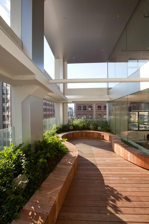 wieden-kennedy-office-NYC-designboom28