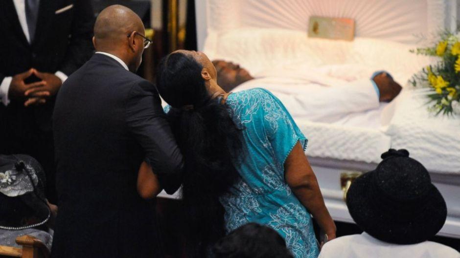 AP_Eric_Garner_funeral_bc_140723_16x9_992