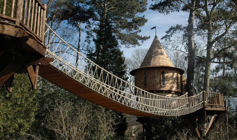 blueforest-living-the-highlife-treehouse-designboom-03