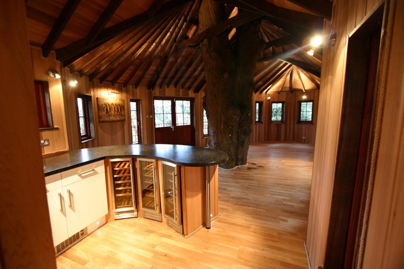 blueforest-living-the-highlife-treehouse-designboom-08
