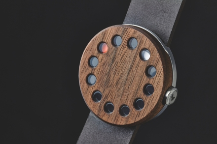 grovemade-wood-watch-designboom02