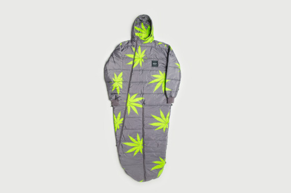 huf-fall-2014-apparel-collection-delivery-1-available-36-570x379