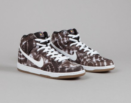 nike-dunk-high-black-white-tie-dye-0