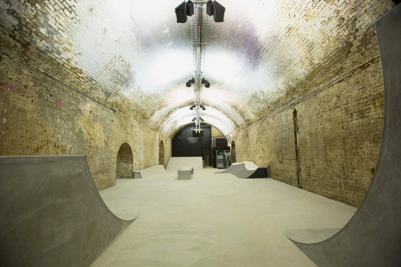 house-of-vans-london-indoor-skatepark-designboom-05