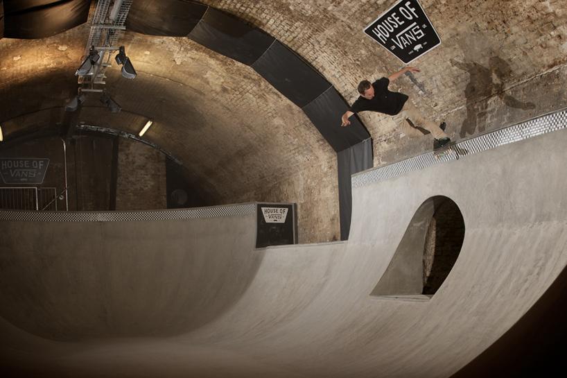 house-of-vans-london-indoor-skatepark-designboom-07