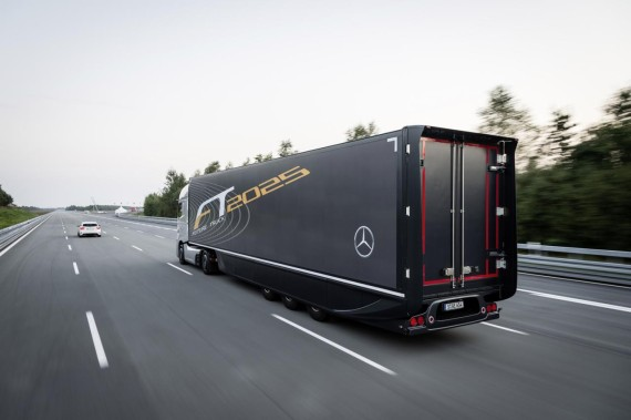 mercedes-benz-future-truck-2025-9-570x379